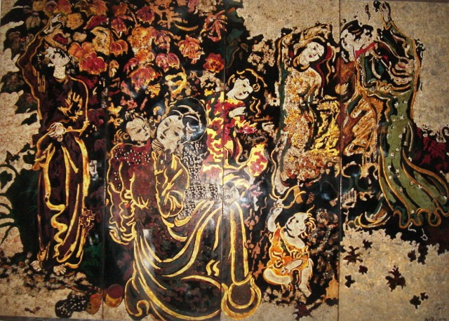 Thiếu nữ bên hoa phù dung (1974)  Nguyễn Gia Trí (1908-1993)