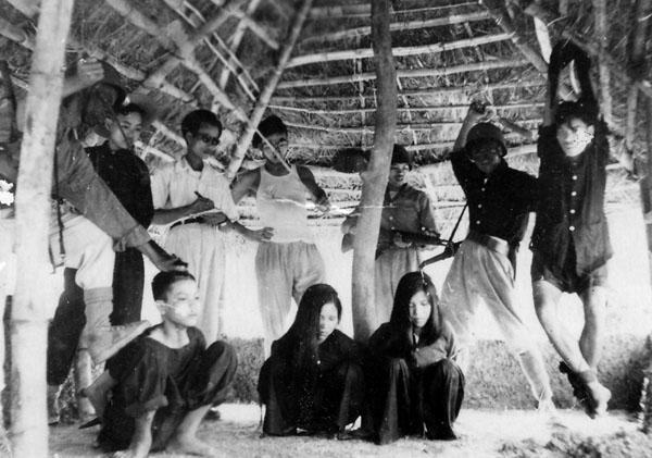 Sự tra tấn của đội Võ trang Tuyên truyền Bắc Việt