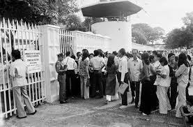 Trước tòa Ðại sứ Hoa kỳ những ngày cuối tháng 4/75