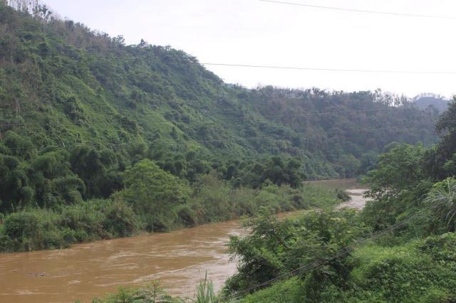 Sông Nậm Thi huyện Bảo Thắng làm ranh giới Việt-Trung