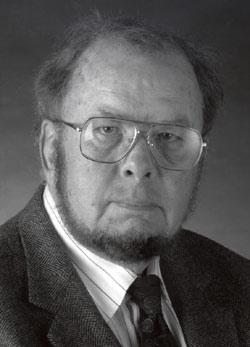 Giáo sư Douglas Eugene Pike July 27, 1924 - May 13, 2002