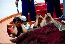 Ngư phủ Việt Nam bị hải quân TC khủng bố ngay trên lãnh hải Việt Nam