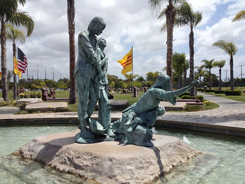 Tượng đài Thuyền nhân VN tìm Tự Do Westminster, California