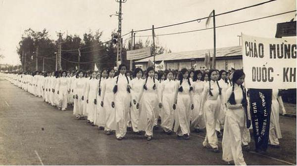 Nữ sinh trường Võ Tánh - Nha Trang xưa