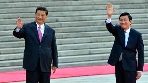 Tư Sâu và đàn anh Trung Cộng