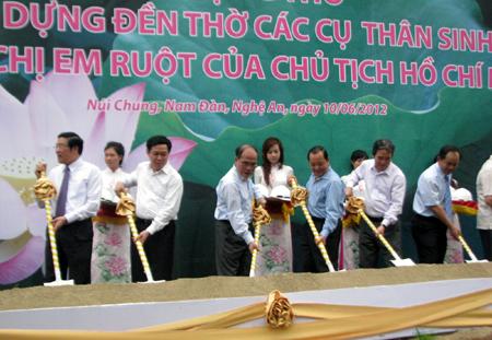 Hùng hói tại lễ khởi công đền thờ khủng