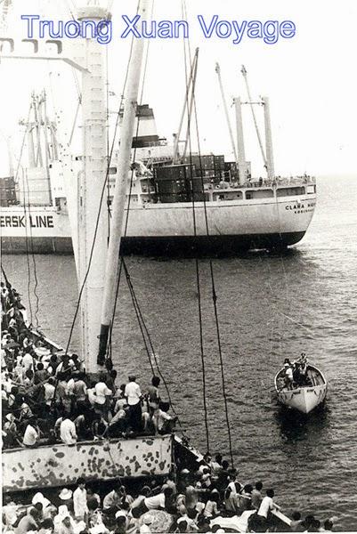 Tàu Clara Maersk và Trường Xuân