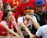 """(Tin các báo: Chiều 13/6/2015. U23 Việt Nam thua , Myanmar . Cổ động viên và cầu thủ khóc """"như mưa"""" sau thất bại)."""