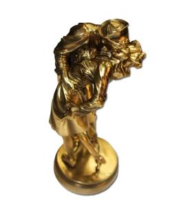 (nguồn ảnh BVCV sưu tầm: http://jetshop.midway.org/a502/the-kiss-statue.html)