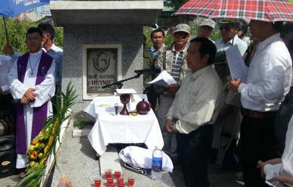 Mộ phần của Tổng Thống Ngô Đình Diệm, vị Tổng Thống đã sáng lập ra Việt Nam Cộng Hòa