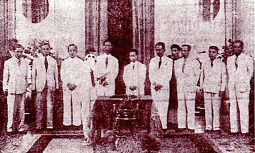 Nội các Chính phủ Trần Trọng Kim – 1945 (nguồn:http://tiengdanviet.com/bai-ca-toi-da-hat-phan-3.html)
