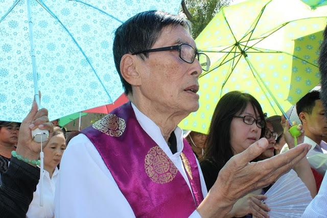 Linh mục Matthêu Vũ Khởi Phụng, nguyên Bề trên Thái Hà, nguyên Trưởng ban Truyền thông Chúa Cứu Thế, tham dự